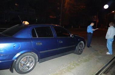 В Киеве задержали парня, который ограбил таксиста