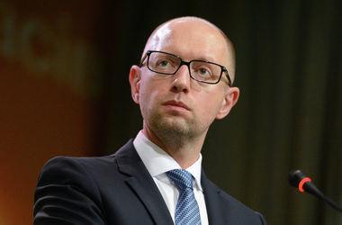 Яценюк озвучил условие проведения местных выборов на Донбассе