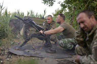 Боевики обстреляли украинский опорный пункт в Лозовом