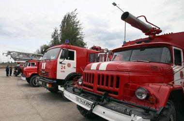 В столице пожарные спасли киевлянина из горящей квартиры