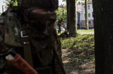 Боевики обстреляли опорный пункт украинских военных под Донецком