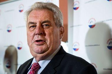 Президент Чехии отпраздновал день рождения в русском ресторане под песню крокодила Гены