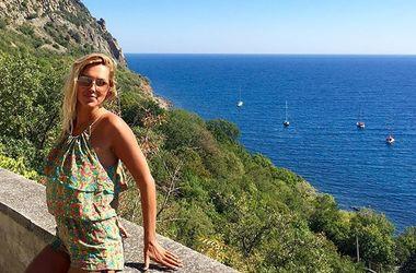 Яна Клочкова показала соблазнительное фото на пляже
