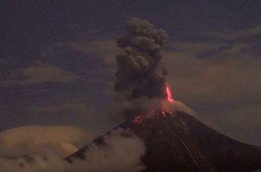 В Мексике началось извержение активнейшего вулкана