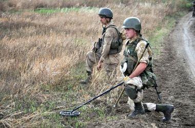 Возвращение мира на Донбассе: отвод вооружений начался, но люди гибнут на минах