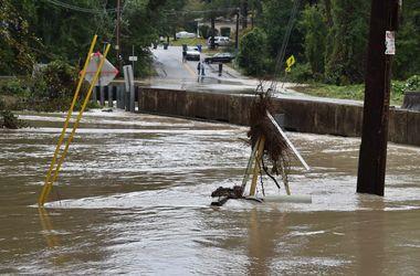 """На США обрушилось """"тысячелетнее наводнение"""""""