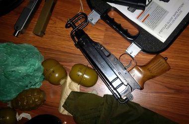 Под Киевом обнаружен арсенал оружия и боеприпасов