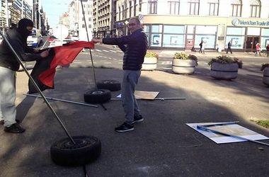 В Риге неизвестные разгромили фотовыставку, посвященную Майдану