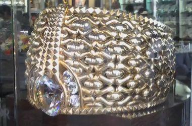 Самое большое золотое кольцо в мире показали на выставке в ОАЭ