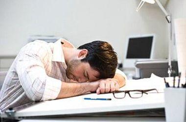 Картинки по запросу уставший работник в офисе
