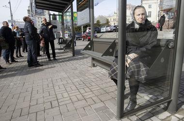 """В Киеве поставили """"умные"""" остановки транспорта"""