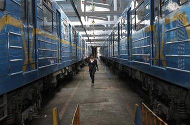 В Киевском метро перекроют три станции и продлят работу на час