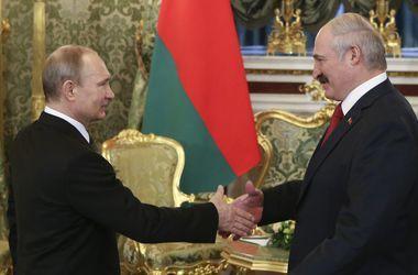 Путин поздравил Лукашенко