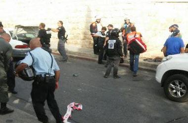 В Иерусалиме палестинец с ножом кинулся на полицейских