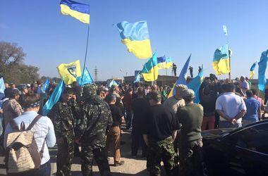 """Блокада Крыма: Украина ограничивает поставки электроэнергии, а Аксенов """"кошмарит"""" крымчан"""