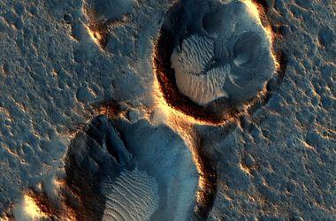 """NASA опубликовало реальные фото Красной планеты, где застрял """"Марсианин"""""""