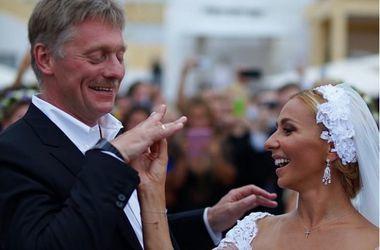 """Дочь Пескова поддерживает однополые браки, но в свадьбу отца не верит: """"Он говорит разные вещи всем"""""""