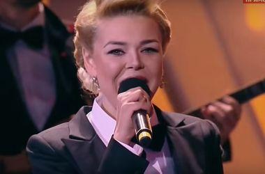 """Повзрослевшая Алина Гросу спела с Лепсом """"Рюмка водки на столе"""""""