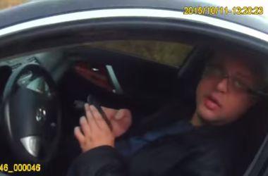 """""""Я жду эвакуатор"""": в сети появилось видео ДТП с пьяным российским дипломатом под Киевом"""