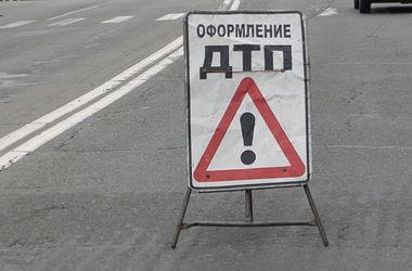 Жуткое ДТП в Киеве: автомобиль сбил пешехода и тащил его по дороге