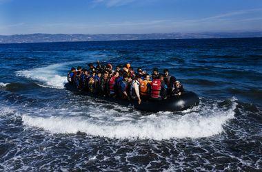 Греческий катер потопил лодку с мигрантами в Эгейском море