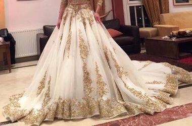 Мужчина развелся, узнав сколько стоило свадебное платье его жены
