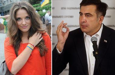 """Саакашвили о высокой должности 26-летней красавицы: """"Слава Богу, у нее нет таможенного образования"""""""