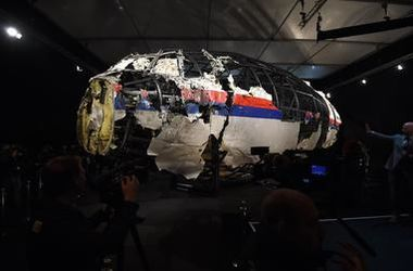 """Нидерланды назвали виновного в крушении """"Боинга-777"""" в Украине"""