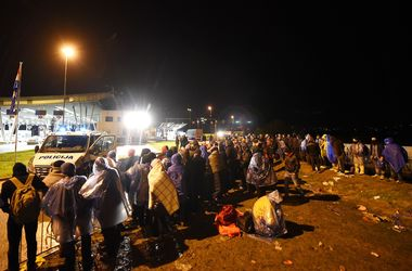 Хорватия открыла свою границу для нескольких тысяч мигрантов