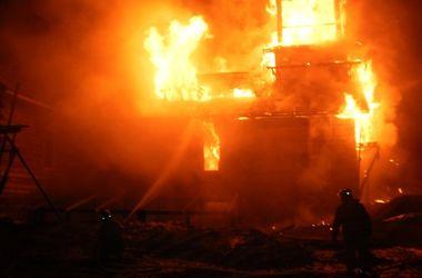 В оккупированном боевиками поселке сгорела церковь
