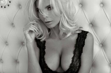 Экс-супруга харьковского чиновника удивляет откровенными снимками