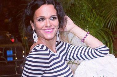 Певица Слава избегает разговоров о свадьбе с женатым избранником