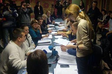 Выборы в Мариуполе под угрозой: в избиркоме снова сорвали передачу бюллетеней
