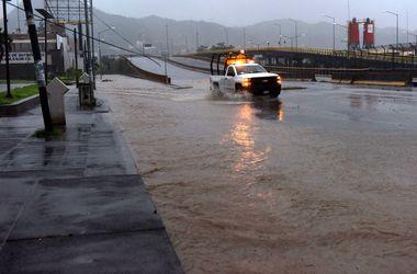 Невиданной силы ураган ударил по Мексике