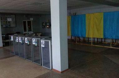 Украинцы не идут голосовать: в Киеве явка лишь 20% избирателей