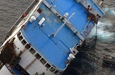 Круизное судно с 27 пассажирами затонуло у побережья Канады