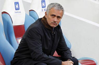 """""""Интер"""" и """"ПСЖ"""" готовы подписать Моуринью, если тренера уволят из """"Челси"""""""
