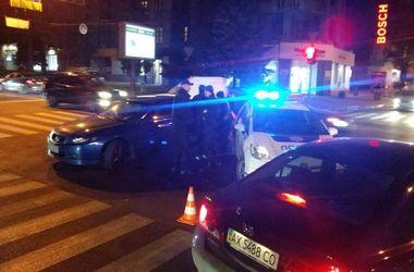 В Харькове авто копов попало в ДТП