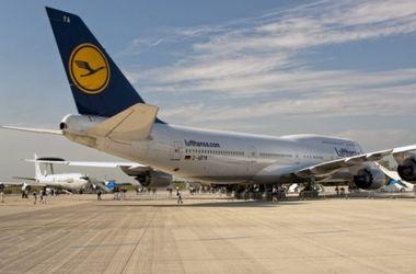 Мировые авиакомпании начали отказываться от полетов над Синайским полуостровом, где разбился российский самолет