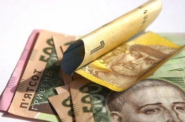 Скачок цен и рост зарплат: на сколько обеднели украинцы (инфографика)