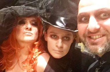 Наталья Могилевская потрясла нарядом с глубоким декольте на Хэллоуин (фото)