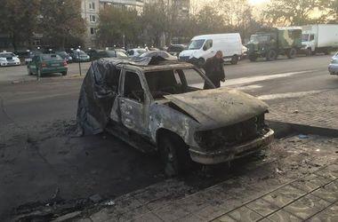 """В Харькове сожгли автомобиль """"Сотни Лева"""""""