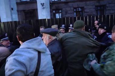 В Одессе с дракой и скандалами вспомнили о трагедии 2 мая: все подробности