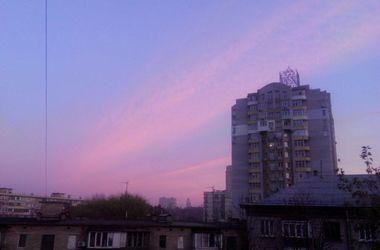 """""""Розовый фламинго"""" в столице: киевляне любовались красочным закатом"""
