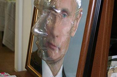 В Красноярске показали объемный портрет Путина для незрячих