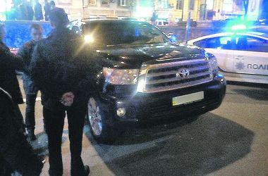 В Киеве полицейские штрафуют за нарушения нардепов, футбольных боссов и пьяных дипломатов