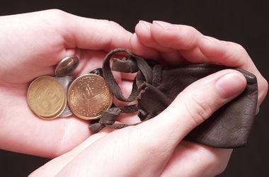 Украинцам повысят пенсии и зарплаты - Яресько