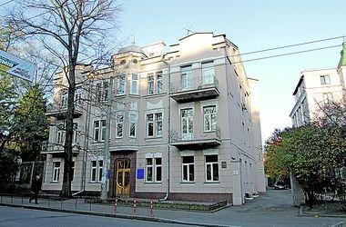 Прогулки по Лукьяновке: дом с одуванчиками, резиденция Хрущева и рыцарский замок