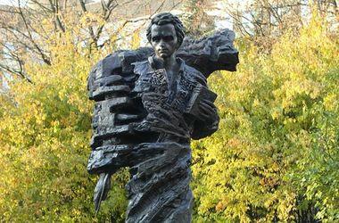 Украинцы открыли первый памятник Тарасу Шевченко в Риге