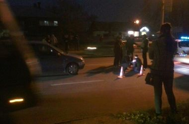 В Харькове на пешеходном переходе сбили женщину, а вторую переехали дважды